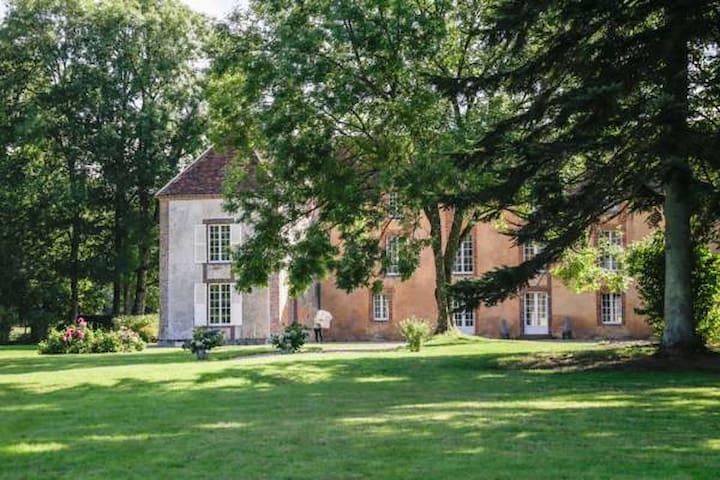 Le Bout du Bois - Anthenaise - Montireau - Bed & Breakfast