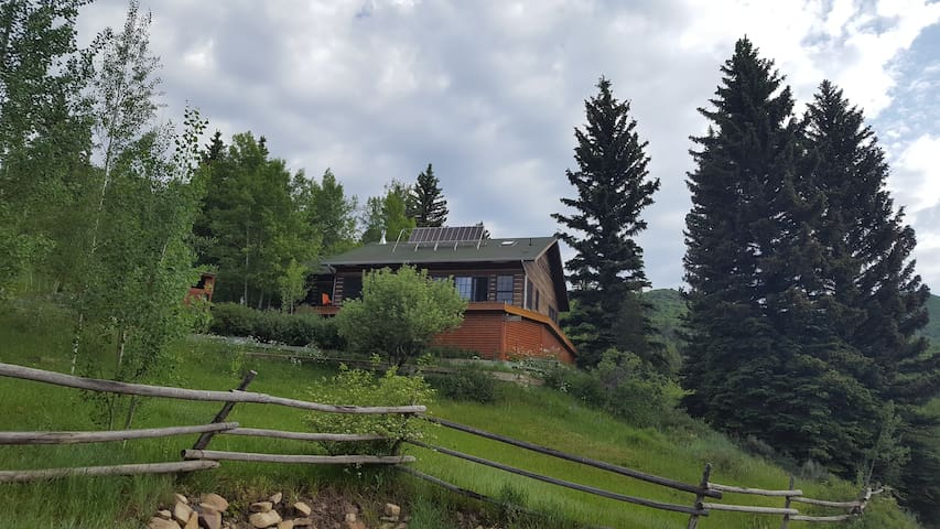 Comfy Flat Tops Hunting Skiing Snowmobiling Cabin - New Castle - Rumah