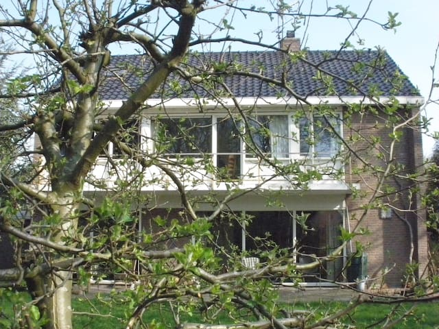 T'Huys-Sylvia van Erning - Wagenborgen - Hus