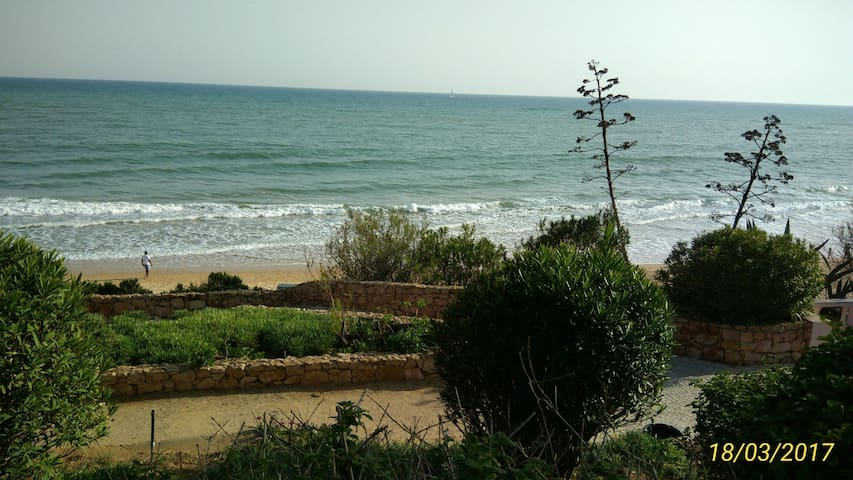 LUXURY T2  IN QUIET LOCATION NEAR THE BEACHES - Albufeira - Appartement