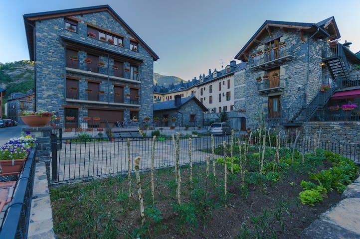 Apart. Casa Juaneta Pirineo-Ordesa - Broto - Leilighet