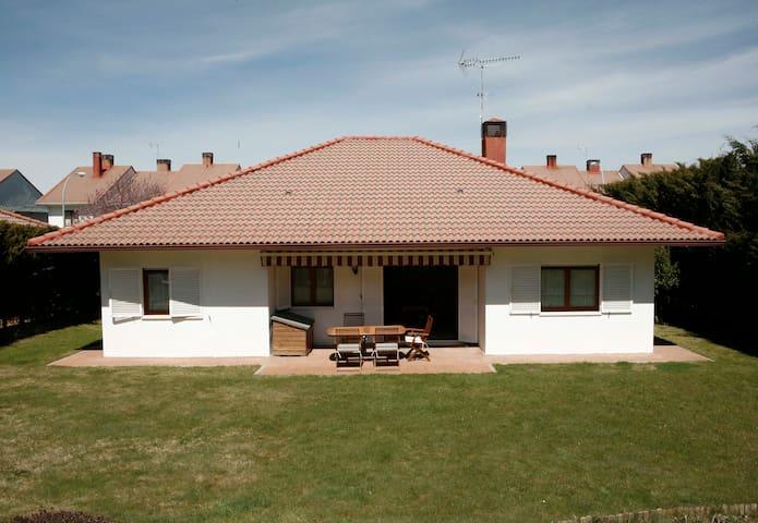 Preciosa casa  junto a la montaña - El Espinar