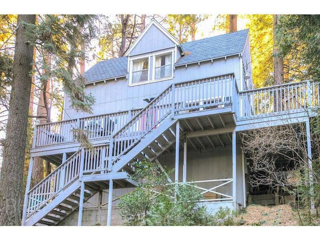 Life Is Better On the Deck! - Lake Arrowhead - Hus