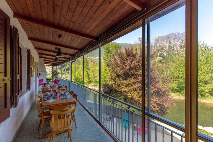 Gregory River House favolosa terrazza sul fiume - Gavardo - Rumah