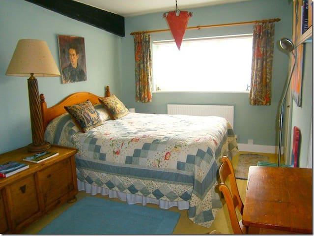 Cosy Ivy Cottage B&B Double Room - Watlington - Bed & Breakfast