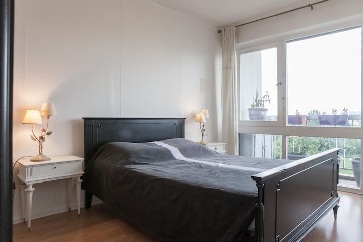 Bright and independent room without vis-a-vis. - Le Bouscat - Appartement