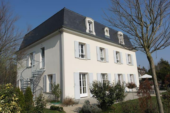 Villa Mansard gite 1 - Villennes-sur-Seine - Appartement
