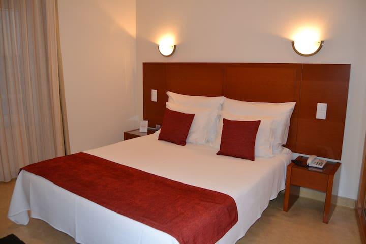 Hotel - Retiro do Camarão - Torres Vedras - Pousada