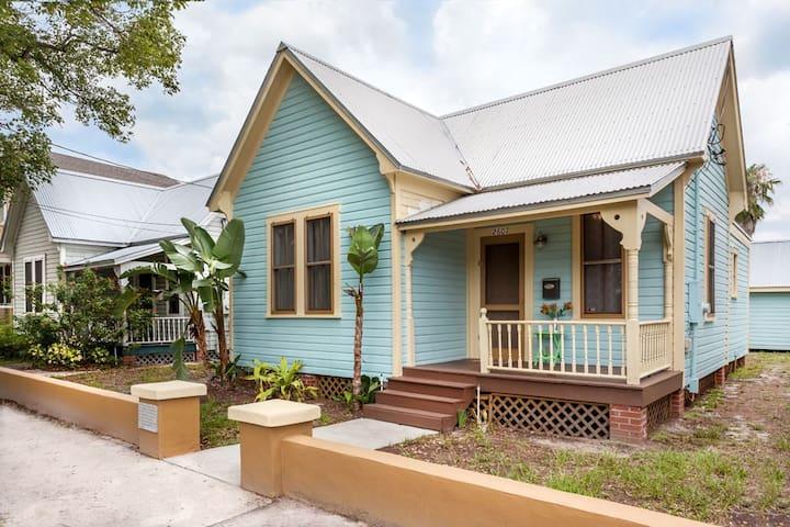 Historic Ybor, Tampa, FL House - Tampa - Hus