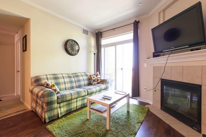 Comfy Room between Denver & Boulder - Westminster - Wohnung