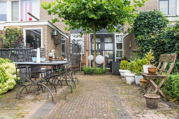 Sfeervol en ruim woonhuis vlakbij Utrecht - Utrecht - Casa