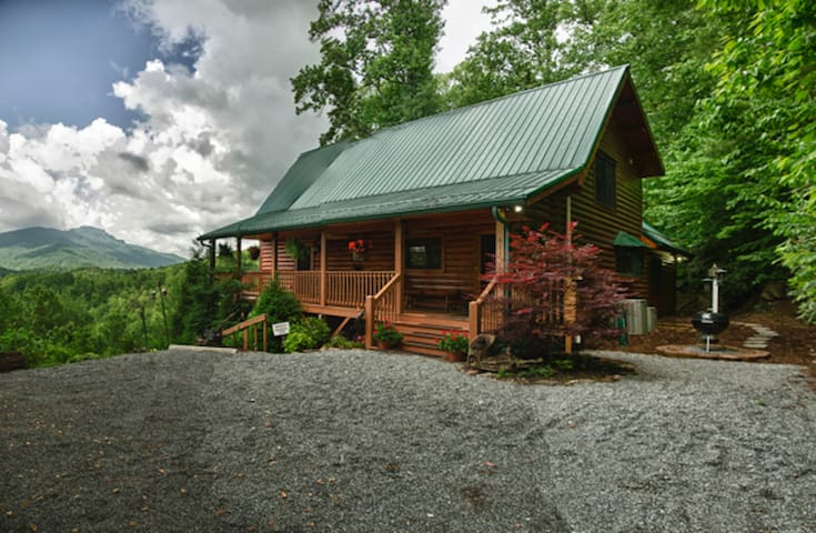Cozy Log Cabin w/ Pristine View of Grandfather Mnt - Banner Elk - Kulübe