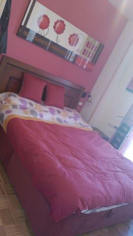 Habitación con cama doble en Leganés - Leganés