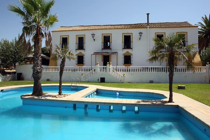 1721 HOUSE 10 MIN.DE SEVILLA - Alcalá de Guadaira - Huis