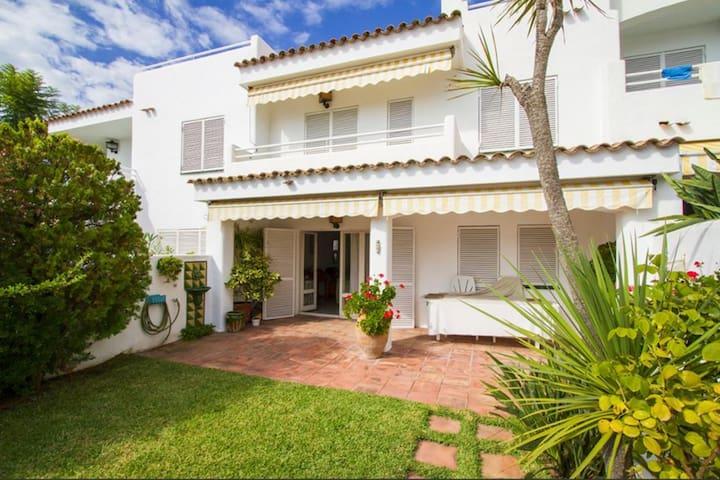 Mediterranean house with 4 bedrooms and 3 bathroom - Sant Pol de Mar - Huis