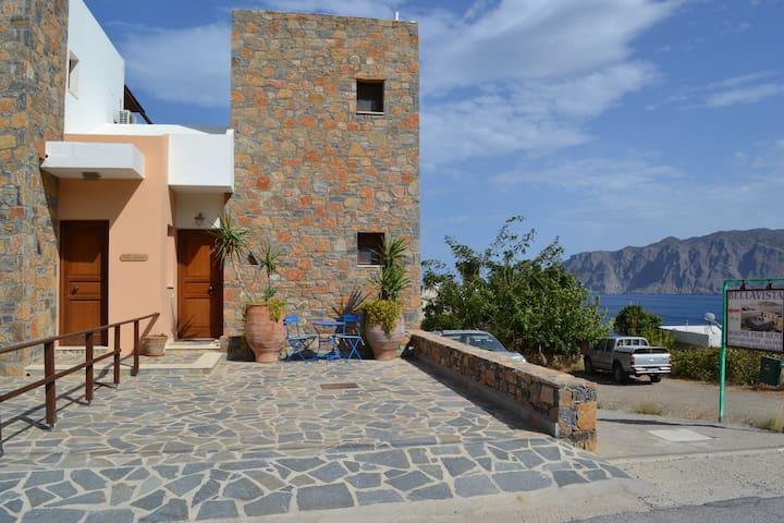 Entire Cretan villa -sea views - Mochlos - Villa