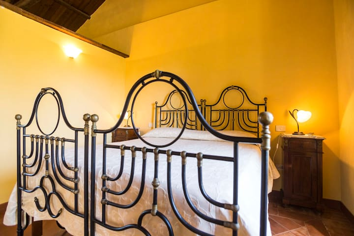 Il Feudo - Camera Quadrupla (1A) - San Costantino - Bed & Breakfast