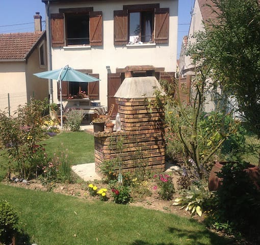 Typically french house near Disney  - Liverdy-en-Brie - Huis