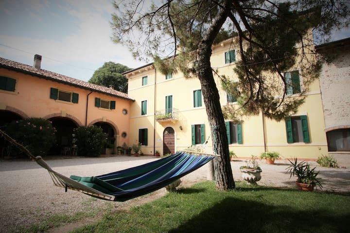 The pleasure of the countryside  - Castelnuovo del Garda - Lägenhet
