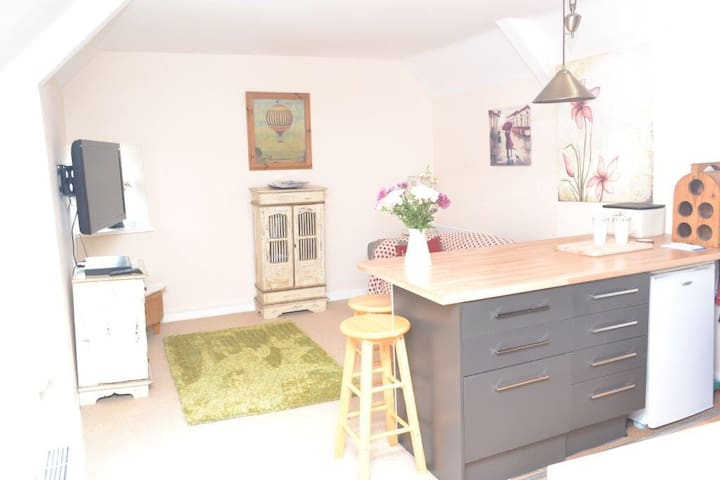 Central flat in Lovely Cirencester - Cirencester - Apartamento