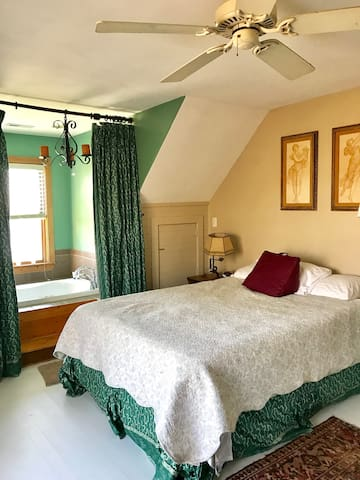 Quaint waterfront log cabin - Merry Hill - Bed & Breakfast