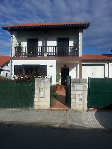 casa familiar mar y montaña - Castillo - Ev