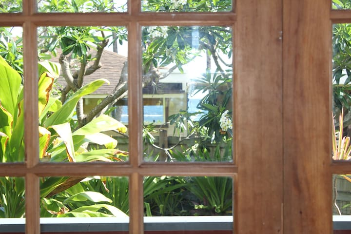 Beachside Studio - Waialua