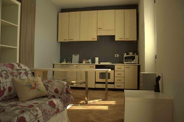 Augusto's Room con accesso privato - Lago Maggiore - Castelletto sopra Ticino - Квартира