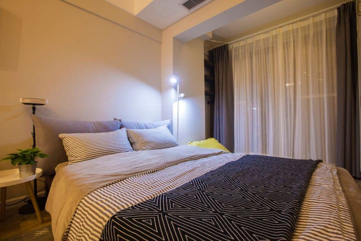 《蜜巢·sweet house》近汉街武大百瑞景最甜蜜情侣公寓 - 武汉市