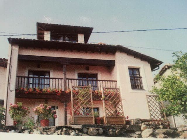 Typical asturian house - Llanes