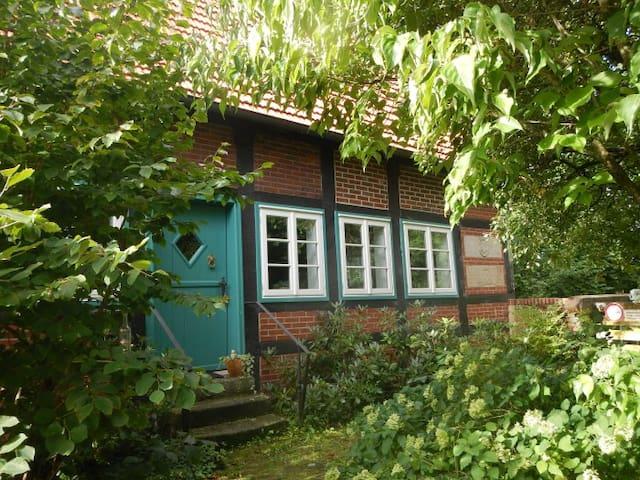 Romantische, alte Wassermühle - Rieste - Hus