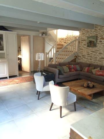Maison en pierre avec piscine - Moëlan-sur-Mer - Casa