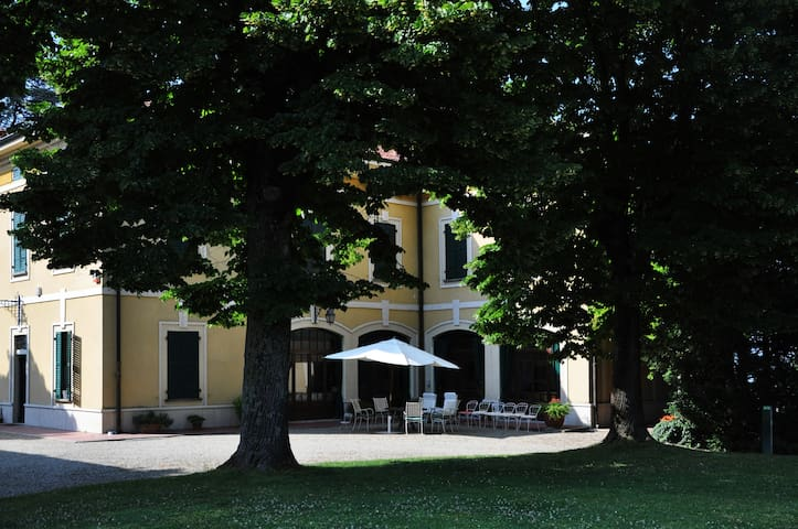 Family luxury paradise, up to 10 people - Casteggio - Вилла