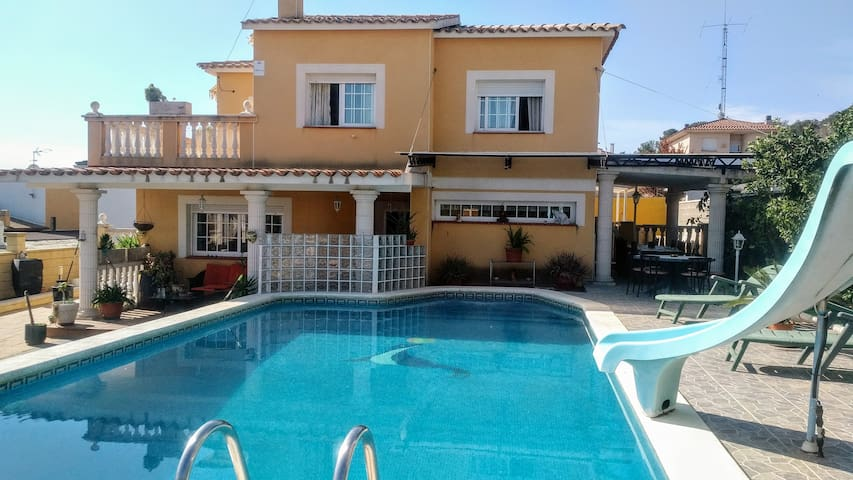 House Sun&Moon - Nou Vendrell - Villa