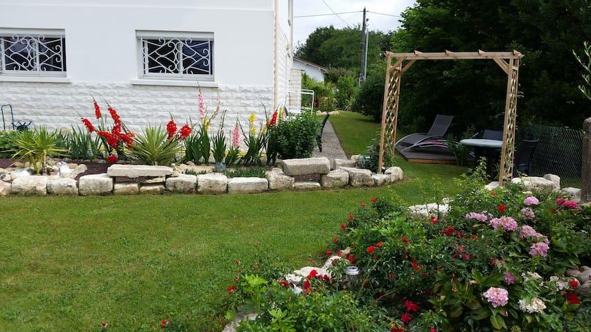studio au jardin fleuri - Saint-Paul-lès-Dax - Daire