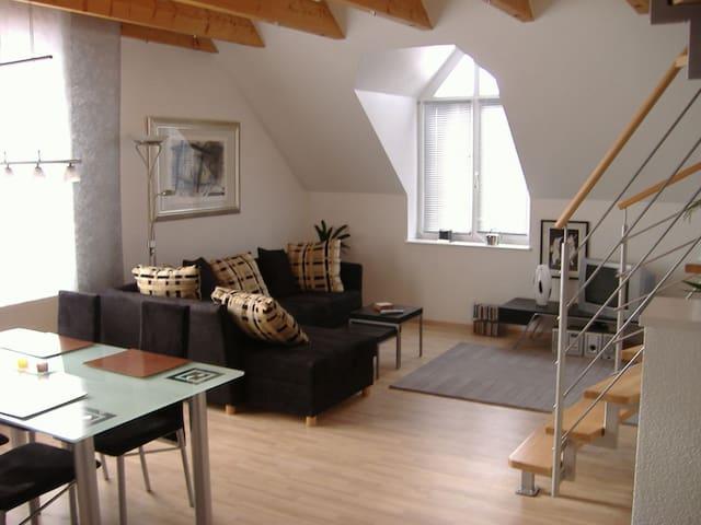 Wunderschöne Maisonette in TOP Lage - Herzogenaurach - Leilighet