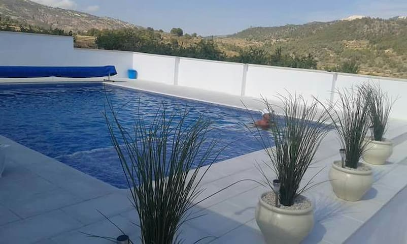 Private 2 bed villa with pool - Algueña - Villa