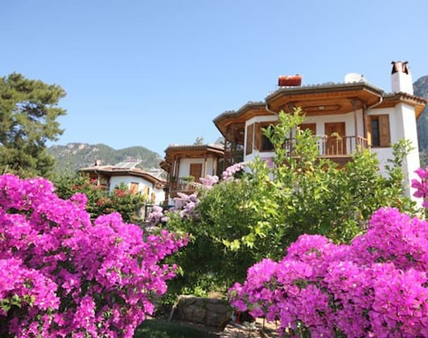 Villa Akyaka near beautiful Azmak! - Akyaka Belediyesi - Houten huisje