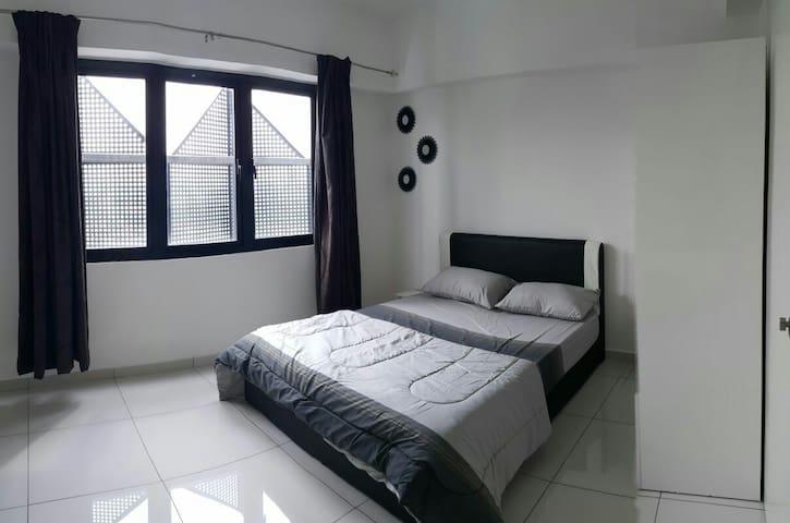 Petaling Jaya Selangor Designer Suite - Petaling Jaya - Byt