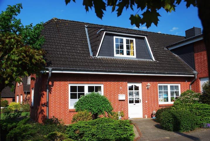 Lichtdurchflutetes Gästehaus - Wesseln bei Heide - Casa