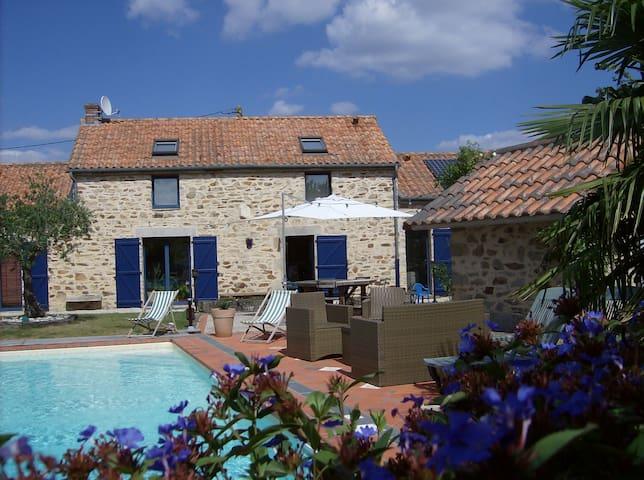 Petit appartement de 35 m² - Saint-Étienne-de-Montluc - Daire