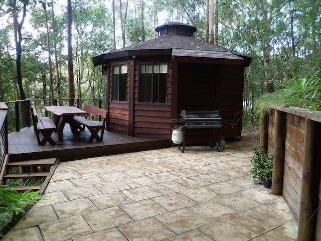 The Yurt - treetops retreat - Bulli - Jurtta