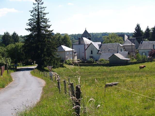Maison à Champagnac La Noaille. - Champagnac La Noaille - Huis
