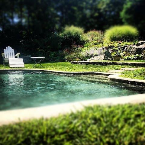 Enchanting country retreat w/Pool - North Salem - Hus