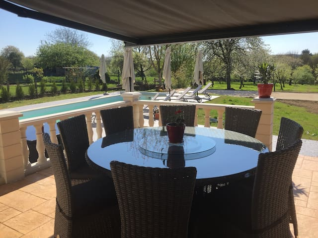 Gite with swimming pool - Villers-sur-Port - Huis