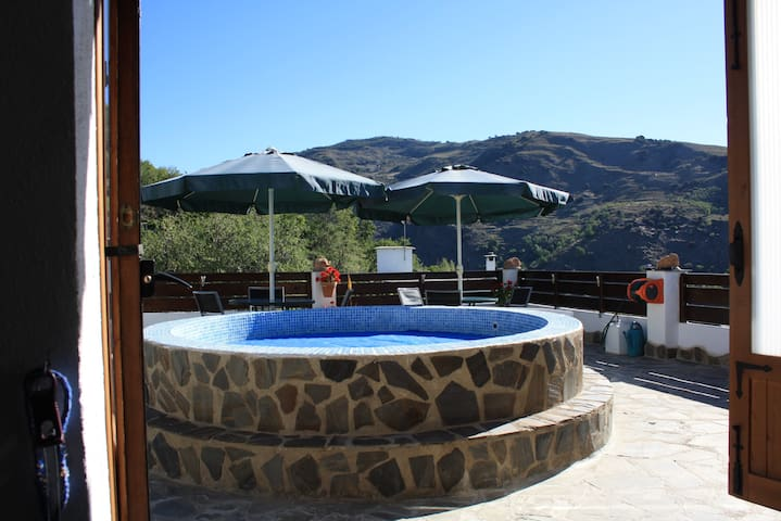 A beautiful spot in the Alpujarras 2 (B&B-room) - Alpujarra de la Sierra - Bed & Breakfast