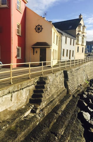 Closest house to the sea in Ireland - Lahinch - Ev