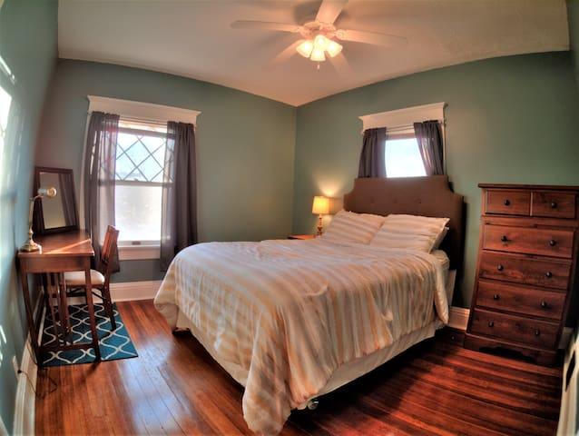 Restful Historic Home - Omaha - Hus