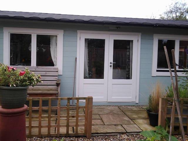Greyhound Cottage Cabin - Claydon - Appartement