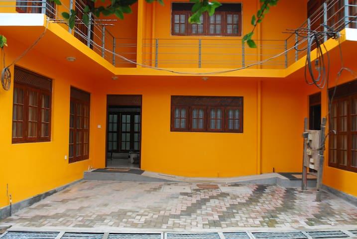 Tina's Family-Friendly Cosy Room 1 - Peliyagoda